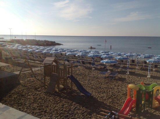 Albissola Marina, อิตาลี: Il mattino in spiaggia