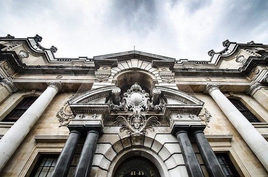 St Giles House Hotel: The impressive front