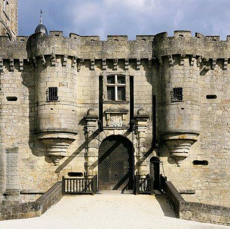 Chateau de Hautefort: Pont-levis