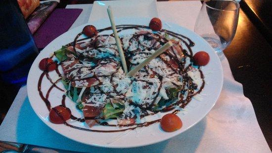 Restaurant Toca Peron: Ensalada jamón y parmesano