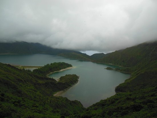 Lagoa do Fogo: view from the point