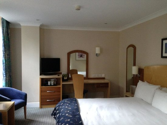 The Abbey Hotel: Room 216