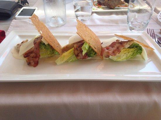 L'Horloge Restaurant: Salade sauce Caesar et Bacon