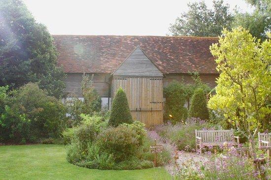 The English Wine Centre, Green Oak Barn Boutique Rooms: Wedding Barn