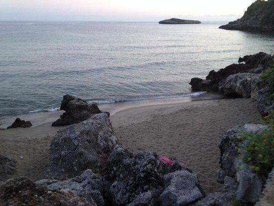 Villaggio Delle Sirene: Dalle scale ingresso spiaggia libera