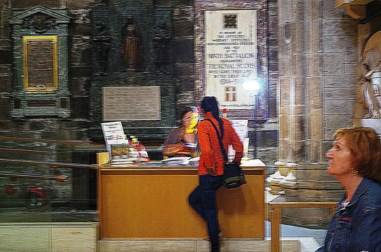 St Giles' Cathedral: Payment counter at the Entrance