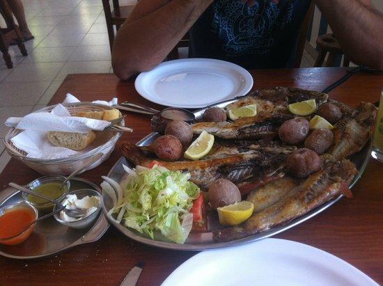 Bar Teleclub Caleta De Famara : Pescado del dia