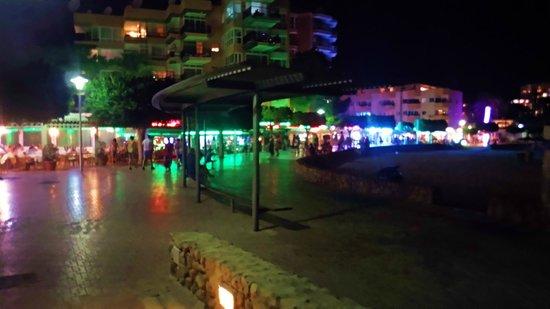 Globales Palmanova: Palma Nova at night