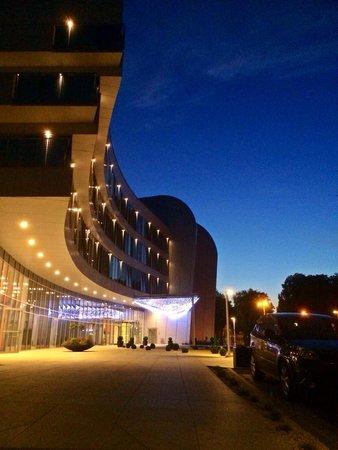 Copernicus Torun Hotel : Front of hotel