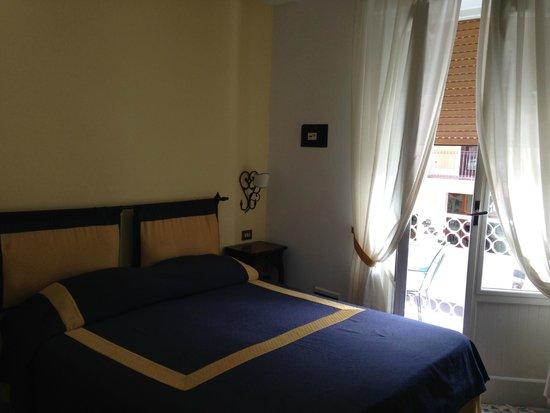 Hotel 7 Bello: Camera