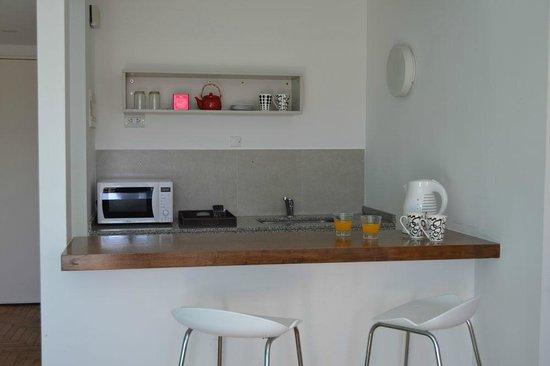 Didi Soho Hotel: Kitchenette de la habitación