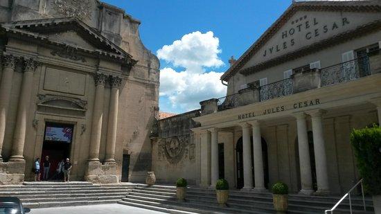 Hotel Jules Cesar Arles MGallery Collection: l'entrée extérieure