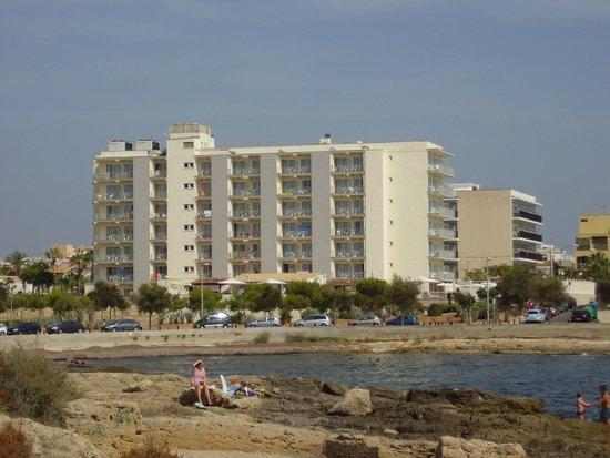 BQ Apolo Hotel: L'hotel visto dall'esterno (lato opposto all'accesso principale)