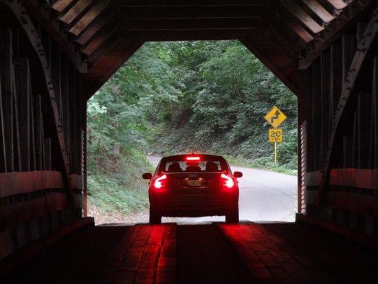 Holiday Inn Express Woodstock / Shenandoah Valley: Covered Bridge