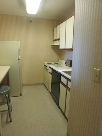 Extended Stay America - Atlanta - Peachtree Corners: Kitchen