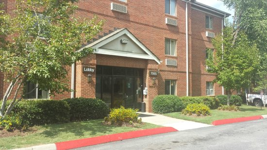 Extended Stay America - Atlanta - Peachtree Corners : Front of building