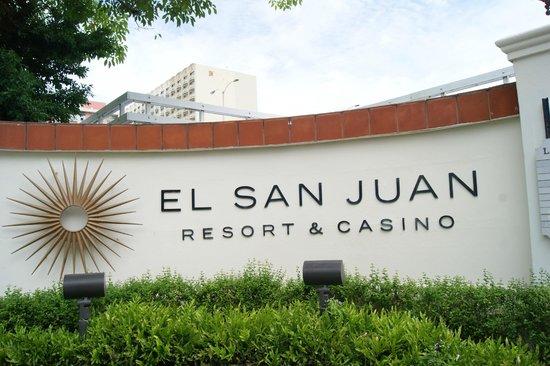 El San Juan Resort & Casino, A Hilton Hotel: entrée de l'hôtel