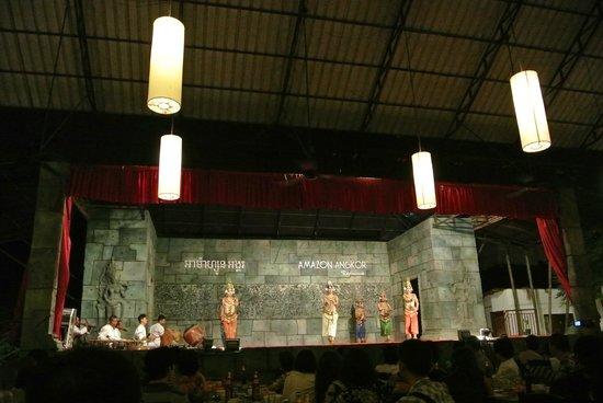 Amazon Angkor : Dance show dinner buffet