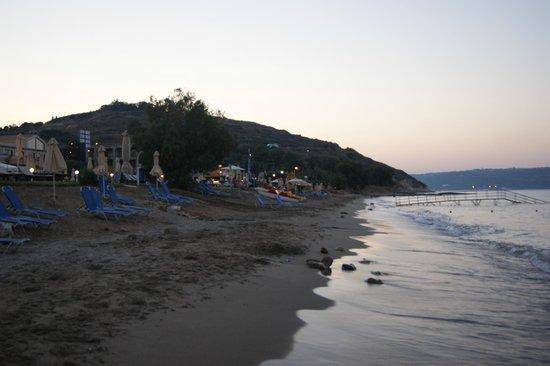Kiani Beach Resort: Plaża / Beach