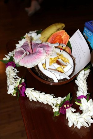 InterContinental Tahiti Resort & Spa: Our fresh fruit in our room