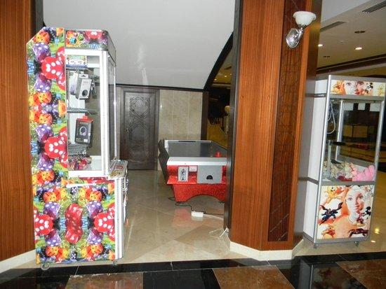 Игровые автоматы hotel игровые автоматы пираты pirates island
