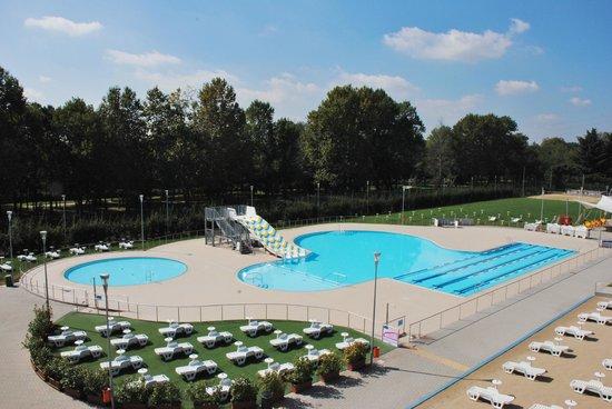 Vasca estiva picture of enjoy sport center cernusco sul - Piscina a giussano ...