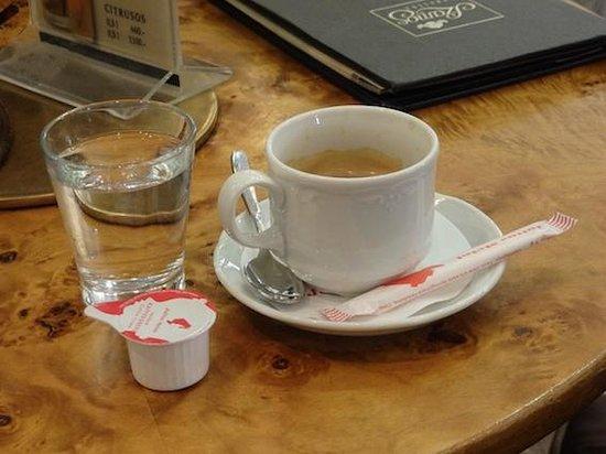 Szamos Museum Confectioner's - Szentendre : El cafe que tardo 10 minutos....