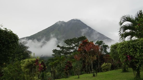 Los Lagos Hotel Spa & Resort: View of Arenal