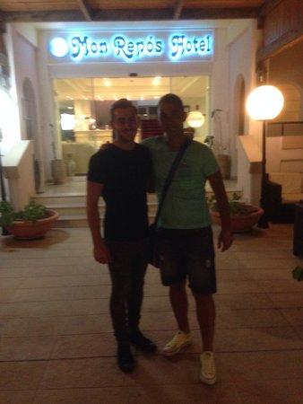 Mon Repos Villa - Hotel : Con il collaboratore