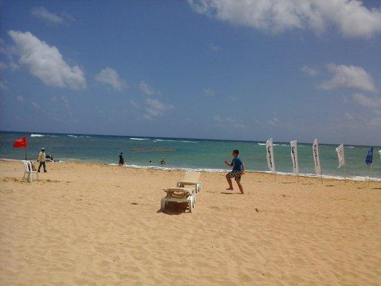 Dreams Punta Cana Resort & Spa: games at the beach