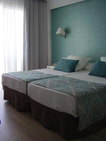 BQ Apolo Hotel: Arredamento sobrio ma fine dai colori tenui rilassanti alla vista