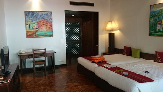 Mom Tri's Villa Royale : bedroom