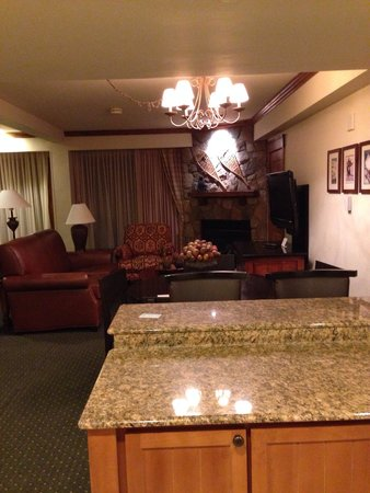 Vail Marriott Mountain Resort: Suite room
