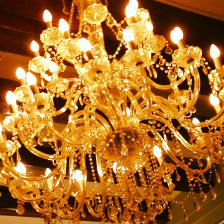 The Alphen Boutique Hotel: Chandelier in Five Rooms restaurants
