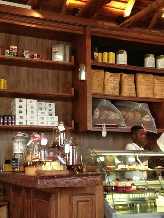 The Alphen Boutique Hotel : La Belle deli and restaurant for lunch and breakfast