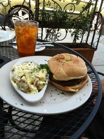 Southern Sisters: Cheeseburger with potato salad & sweet tea
