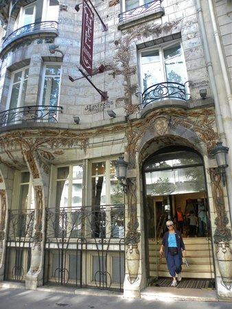 Elysees Ceramic Hotel: vew front hotel