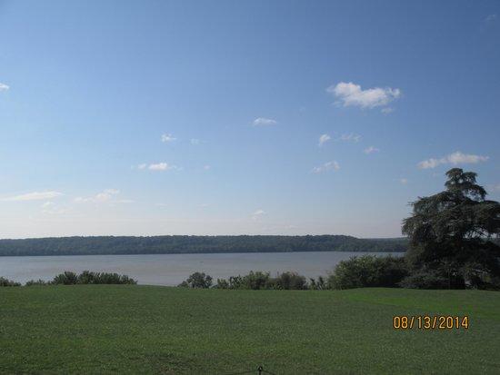 George Washington's Mount Vernon: Beautiful View of the Potomac
