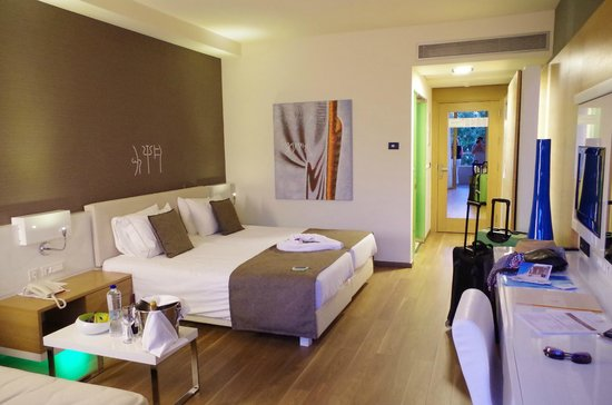 Avra Imperial Hotel: Chambre standard