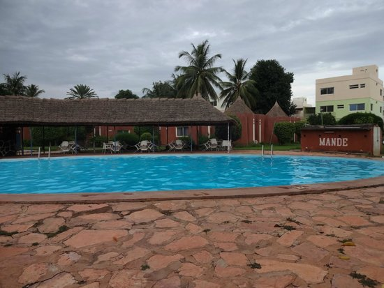 Hotel Mande: Clean but lots of chemicals