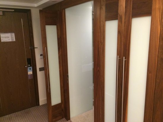 Sheraton Athlone : Entrance to bathroom, with wardrobe & hanging space either side. Very spacious and internally li