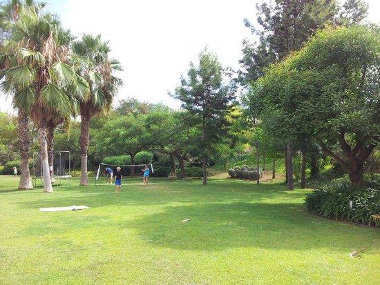 Jardin picture of novotel barcelona cornella cornella for Barcelona jardin