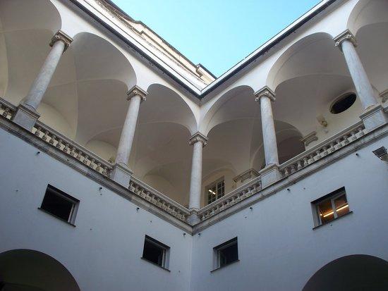 Palazzo Ducale : cortile interno