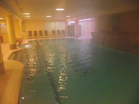 Grand Hotel Misurina: Piscina non molto grande ma sufficiente e calda