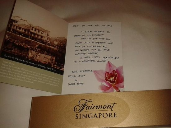 Fairmont Singapore: cute card