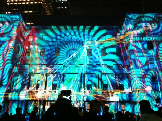 Vivid Sydney : Interactive musical Customs House .... stunning display