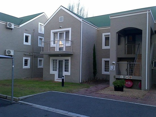 Protea Hotel by Marriott Stellenbosch: Rooms