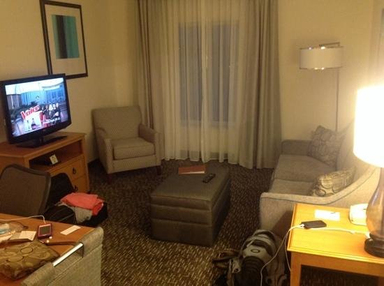 Homewood Suites Miami-Airport / Blue Lagoon : living area
