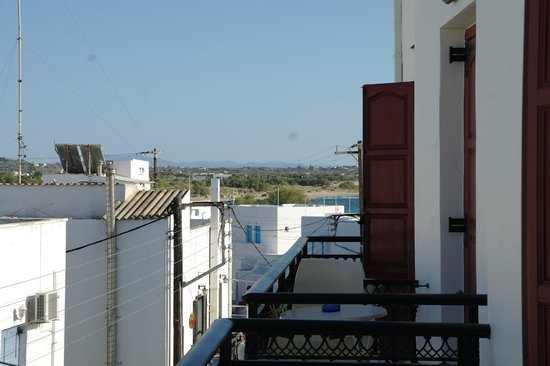 Hotel Iliovasilema : View from the balcony to the beach