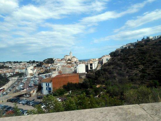 Casa-Museo de Dalí: Lekker druk in Cadaques (tja augustus.....)